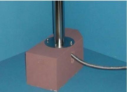 Wasserzapfsäule Edelstahl rund mit 2 Auslaufhähnen und Schlauchhalter Bild 3